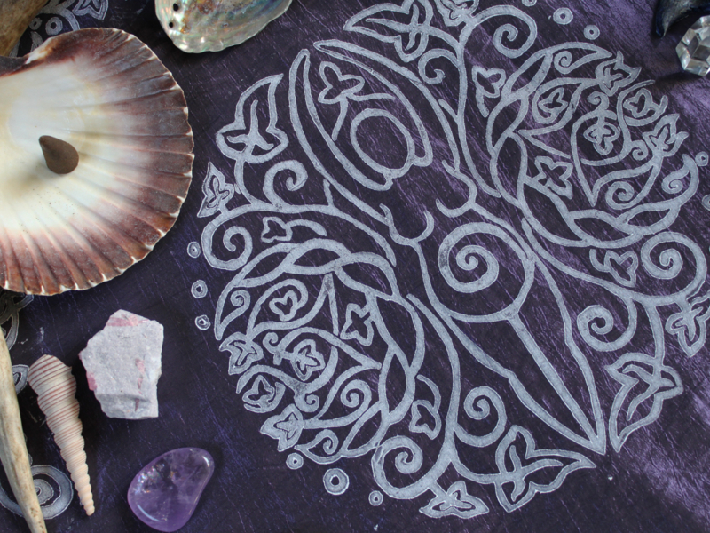 Spiral Goddess Altar Cloth Wiccan Mother Goddess with Triple Moon and Ivy Motif - Dark Purple Taffeta Cloth White Centre Print - Hand Printed with Hand Carved Lino Stamp