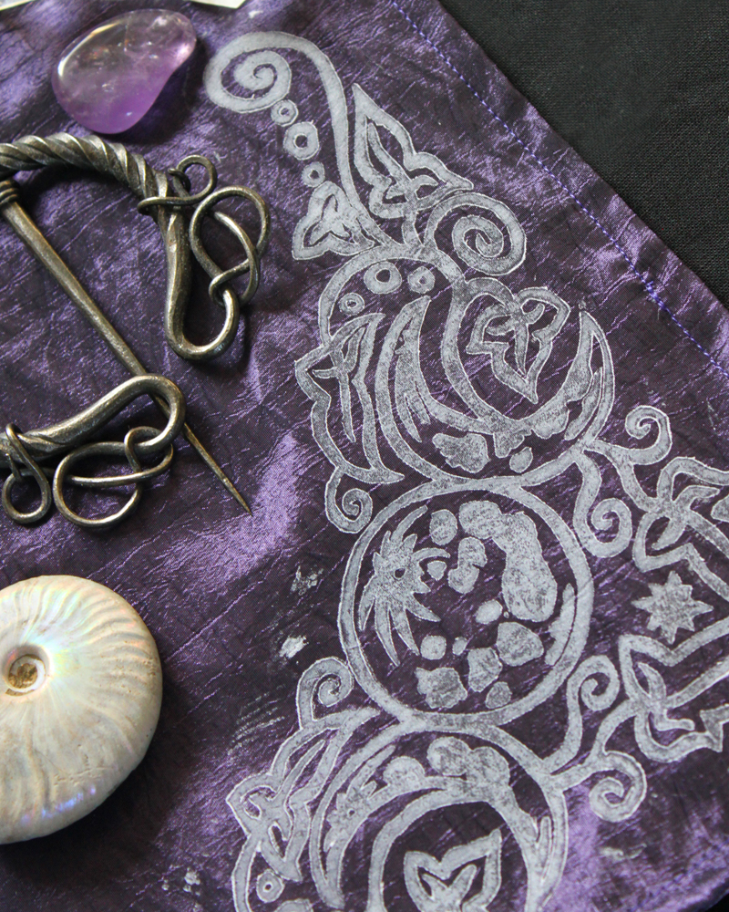 Spiral Goddess Altar Cloth Wiccan Mother Goddess with Triple Moon and Ivy Motif - Dark Purple Taffeta Cloth White Corner Piece - Hand Printed with Hand Carved Lino Stamp