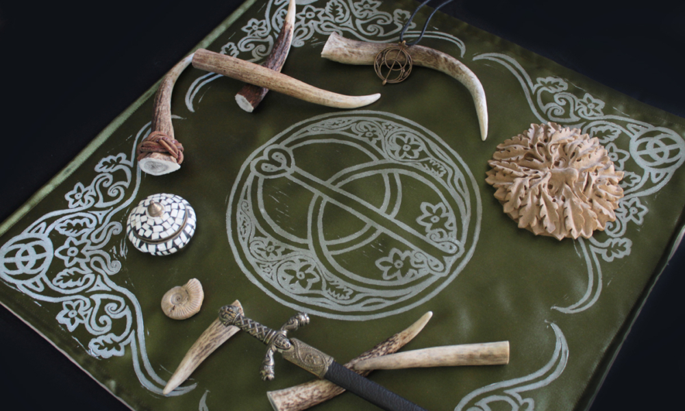 Chalice Well Altar Cloth Mystical Glastonbury Well with Vesica Pisces and Hawthorne Flower Motif - Altar Cloth Moss Green Satin with Altar Items - Hand Printed with Hand Carved Lino Stamp